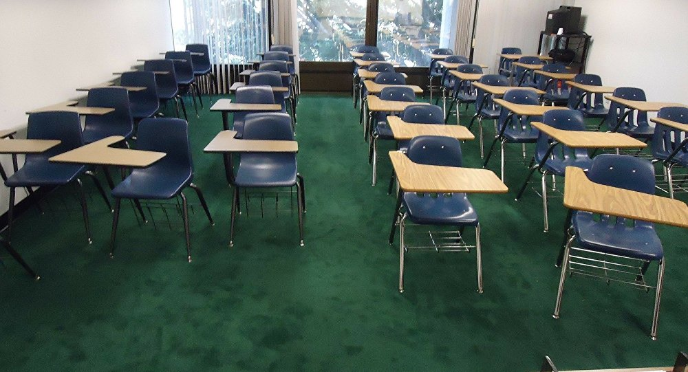 Sala de aula abandonada (imagem ilustrativa)