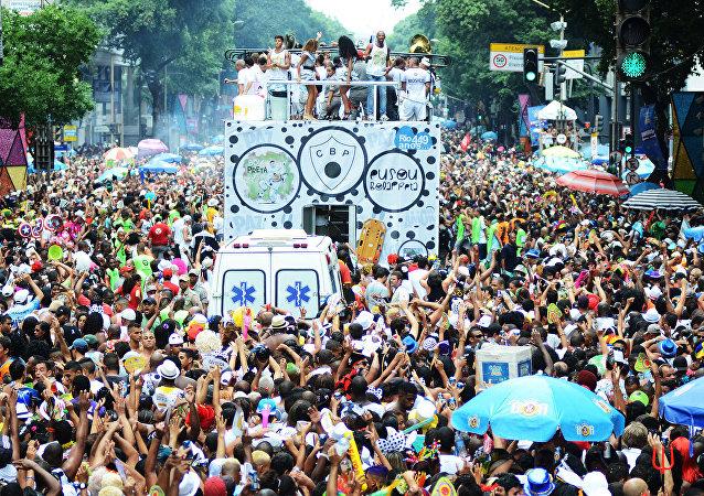 Gasto médio com os dias de folia deve chegar a R$ 847, segundo o SPC Brasil