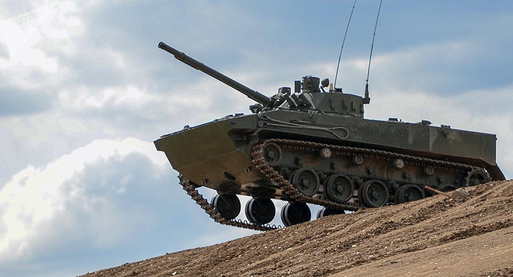 O veículo blindado de transporte de tropas BMP-3