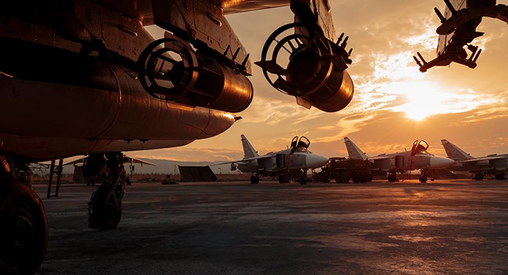 Aviões da Força Aeroespacial da Rússia na base de Hmeymim, Síria