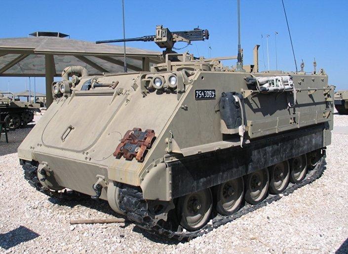 Veículo blindado de transporte de infantaria M113 de produção norte-americana