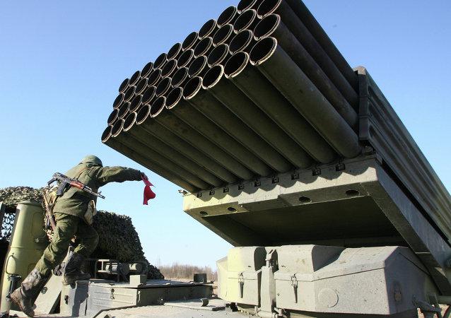 Exercícios táticos de artilharia e forças de mísseis da Flotilha do Báltico