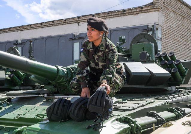 Participante das Forças Armadas da Nicarágua no polígono de Alabino na região de Moscou, preparando-se para os Jogos Internacionais de Exército 2015 (foto de arquivo)