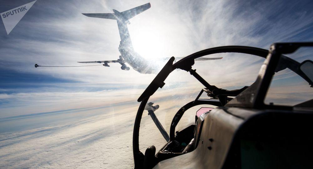 Avião durante manobras (imagem referencial)