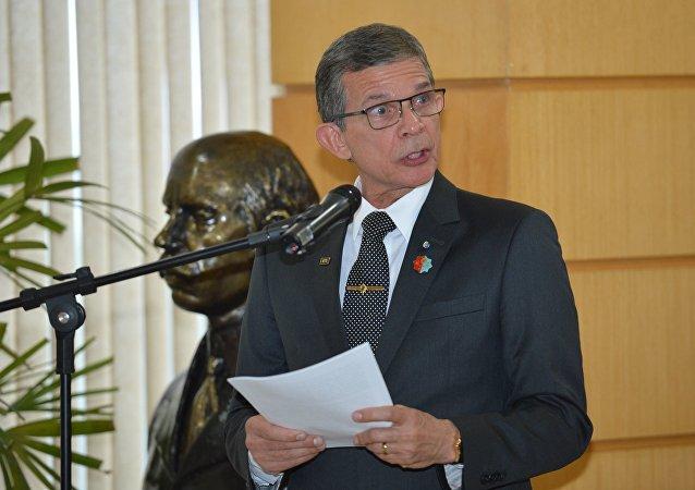 General Joaquim Silva e Luna assume ministério da Defesa no lugar de Raul Jungmann.