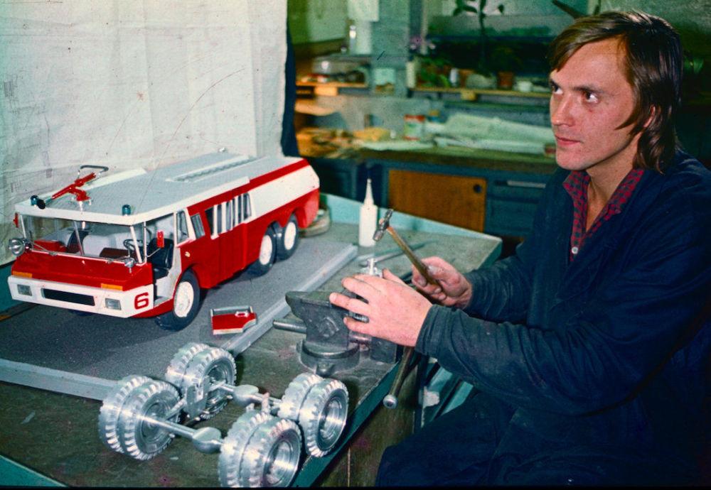 Veículo para bombeiros ZIL Sid foi o resultado de um projeto conjunto entre a França e a União Soviética. Os primeiros carros participaram de numerosas exposições, e até prestaram serviço nas instalações esportivas dos Jogos Olímpicos de Moscou em 1980. Porém, a produção do veículo era muito cara, e este nunca chegou a ser produzido em série