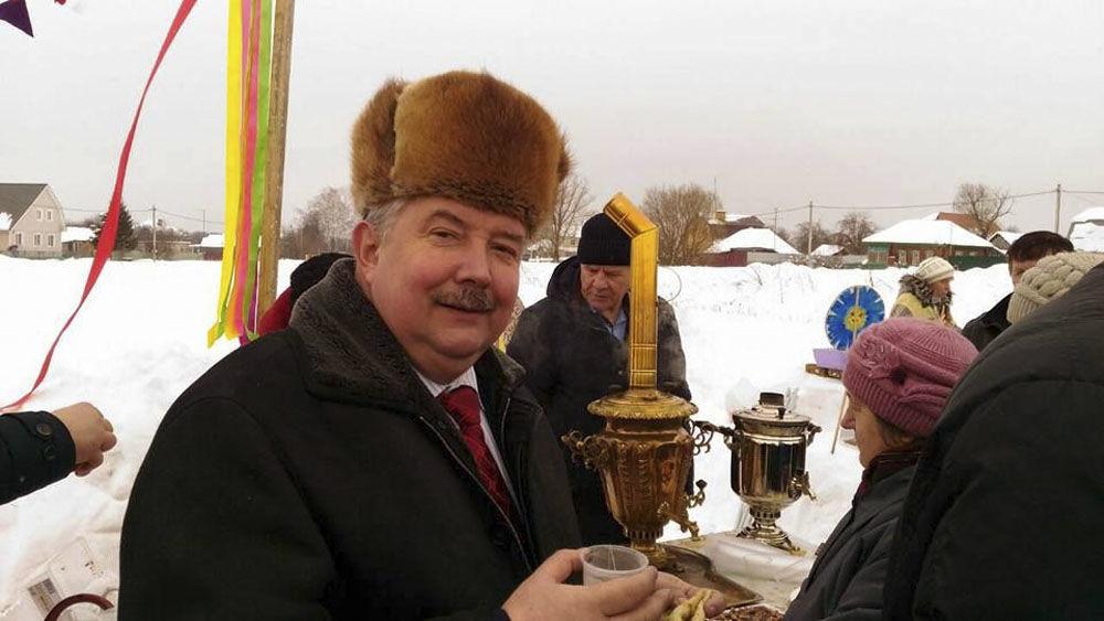Sergei Baburin visitou moradores da região de Tula como parte da sua campanha em 2018