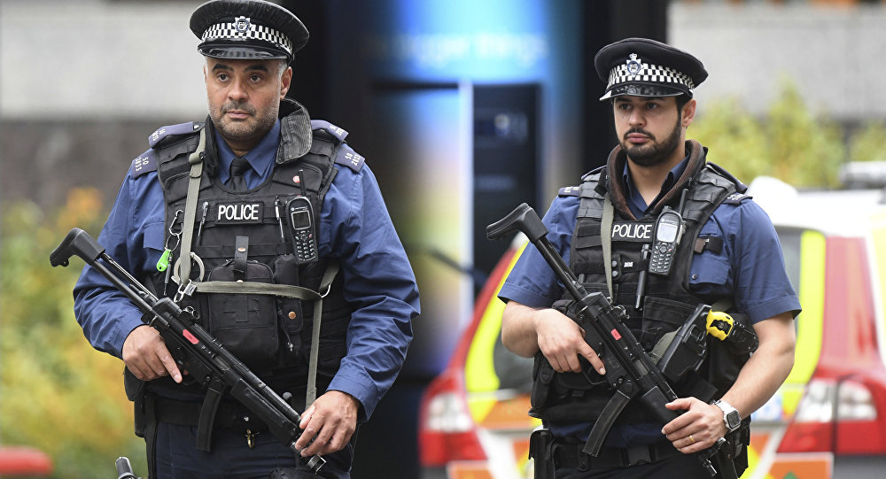 Policiais em Londres (imagem de arquivo)