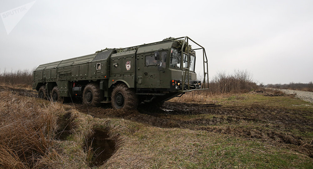 Complexo de mísseis Iskander-M durante exercícios táticos na região de Krasnodar