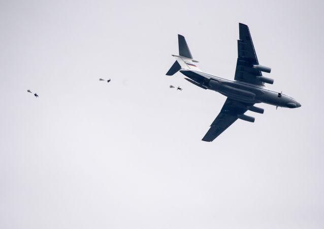 Treinamentos de desembarque da Rússia e da Sérvia no âmbito de manobras conjuntas (foto de arquivo)