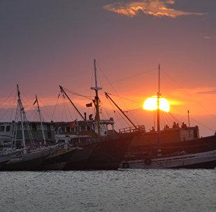 Vista geral dos barcos no porto de Díli, em Timor-Leste (foto de arquivo)