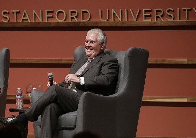 Secretário de Estado dos EUA, Rex Tillerson, fala na Hoover Institution, na Universidade de Stanford, na cidade de Stanford, estado da Califórnia (EUA) em 17 de janeiro de 2018.