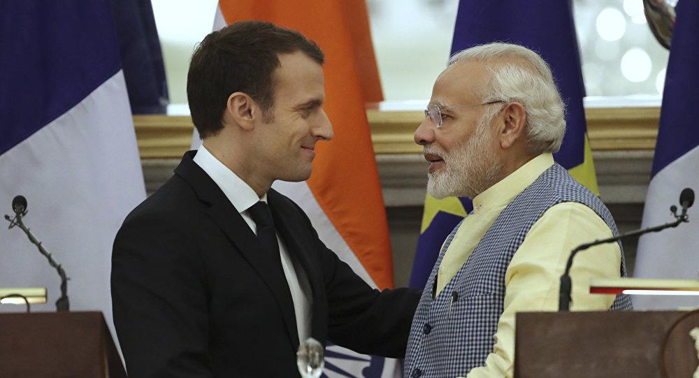 O presidente da França, Emmanuel Macron, e o primeiro-ministro da Índia, Narendra Modi.