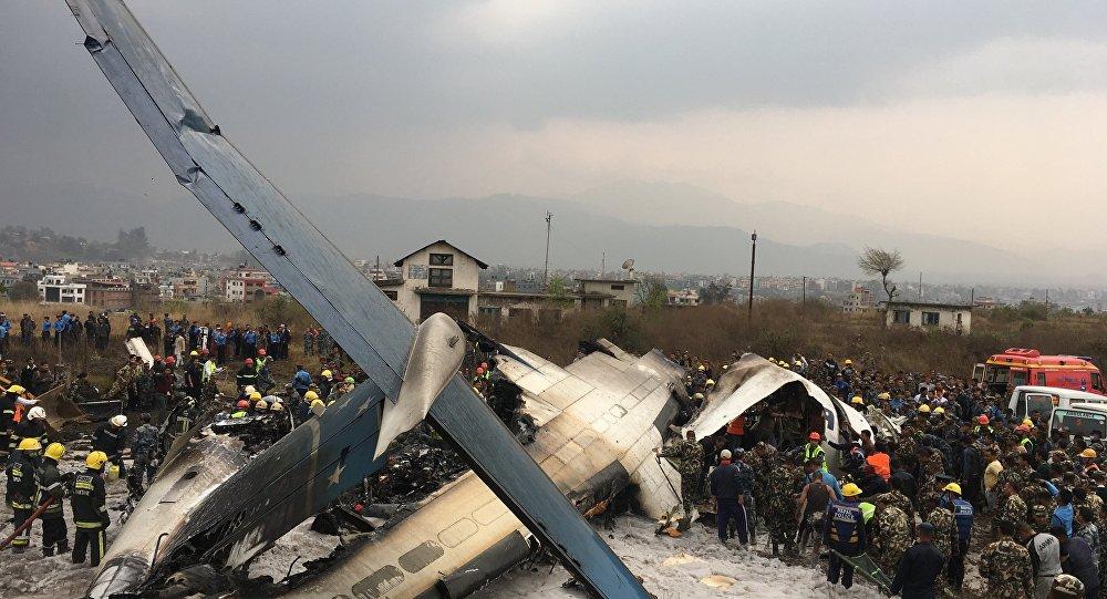 Avião da empresa privada Bangladesh US-Bangla que caiu em Catmandu, em 12 de março de 2018