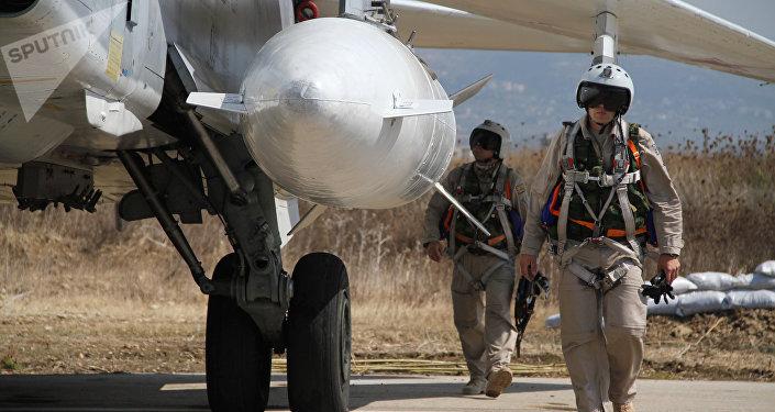 Grupo aéreo militar russo na base aérea de Hmeymim na Síria (foto de arquivo)
