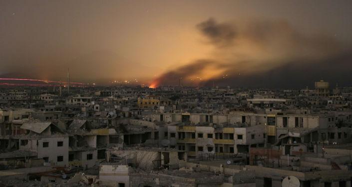 Fumaça em Ghouta Oriental