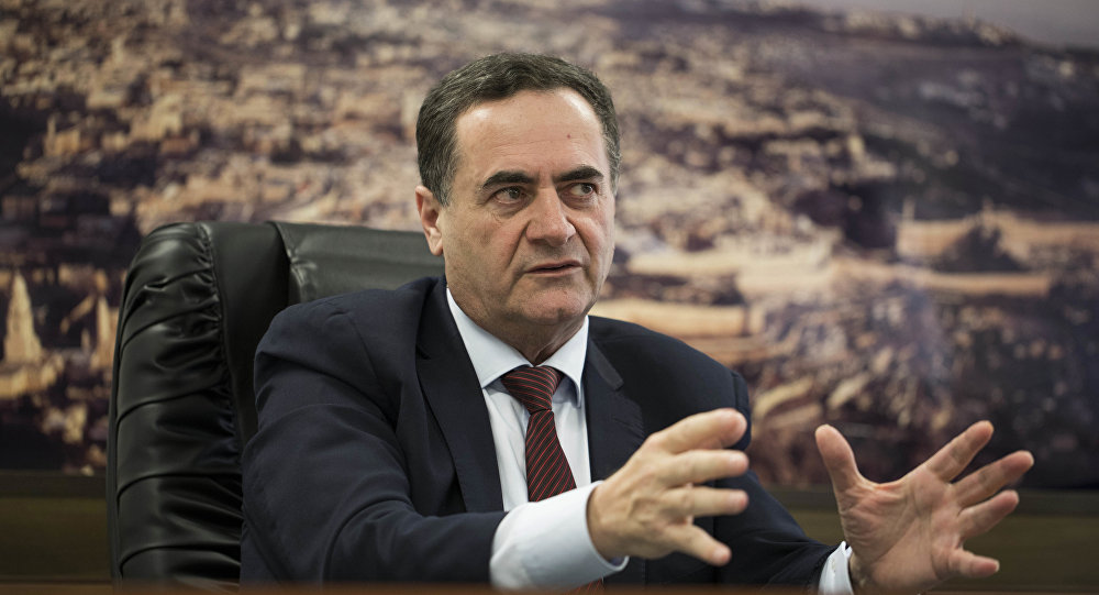 Israel Katz, ministro dos Transportes e Inteligência de Israel, é visto durante uma entrevista com a agência AP em 7 de março de 2017