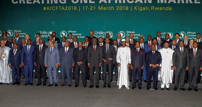 Líderes Africanos posam para uma foto em grupo durante encontro com o objetivo de criação de um acordo de livre comércio conjunto dentro do continente. O evento aconteceu entre os dias 17 e 21 de março em Kigali, capital de Ruanda.