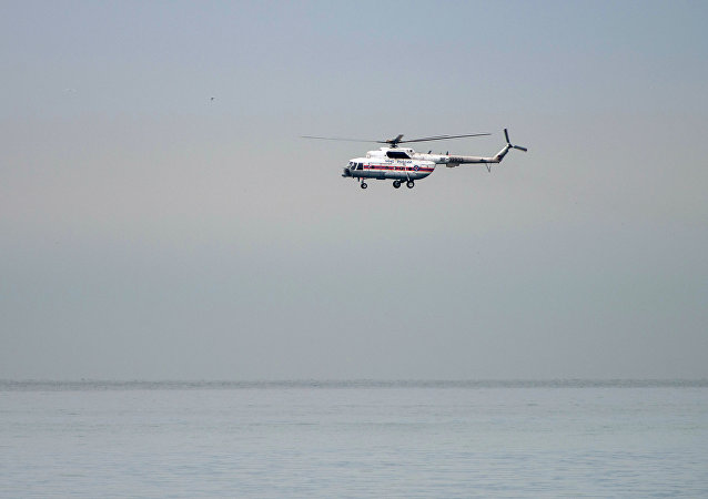 Helicóptero participa de operação de resgate (foto de arquivo)