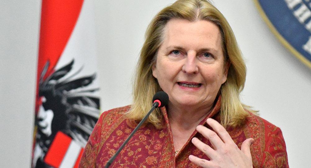 Karin Kneissl, ministra das Relações Exteriores da Áustria