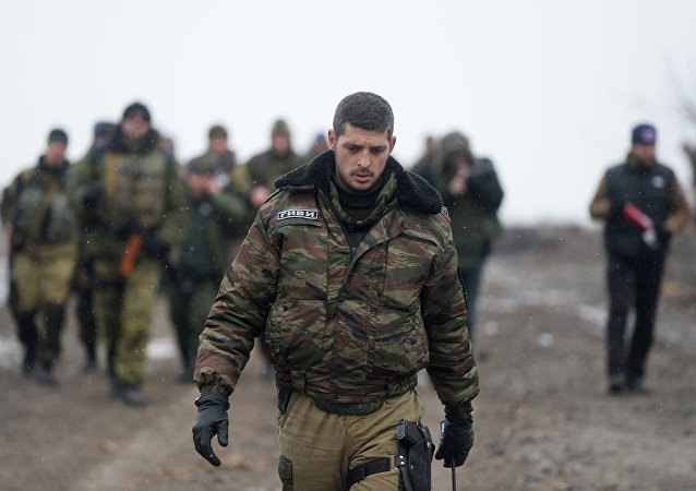 Membro da milícia da República Popular de Donetsk (RPD) de apelido Givi no aeroporto de Donetsk