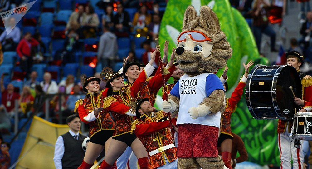 O mascote da Copa do Mundo 2018, Zabivaka durante o jogo de encerramento da Copa das Confederações 2017.