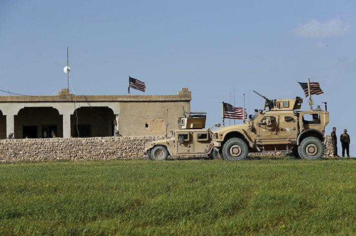 Veículos blindados norte-americanos na Síria (foto de arquivo)