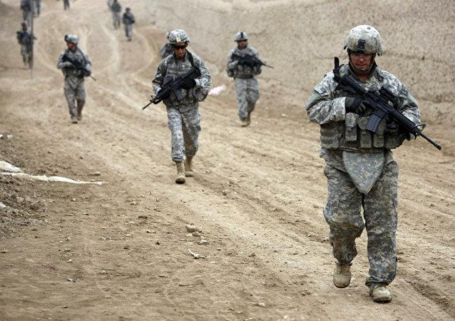 Soldados do Exército dos EUA pertencentes ao 1º Pelotão, Able Troop 3-71 Cavalry Squadron e membros da Guarda Nacional da Carolina do Sul. (Arquivo)