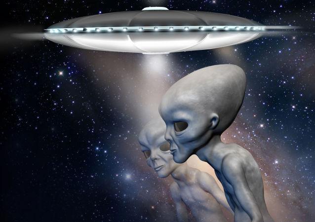 Extraterrestres com OVNI em plano de fundo (imagem referencial)