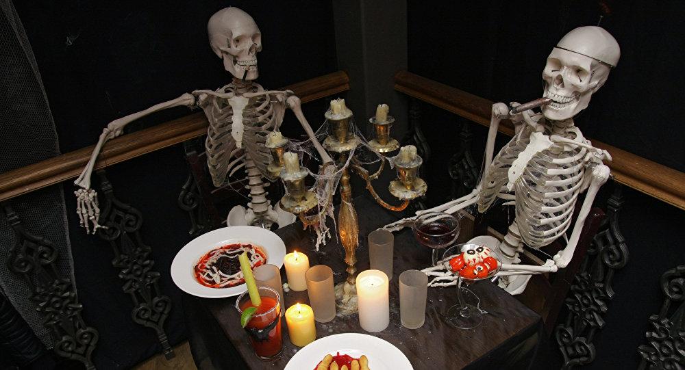 Cardápio especial para celebração do Halloween é apresentado em um dos restaurantes de Moscou