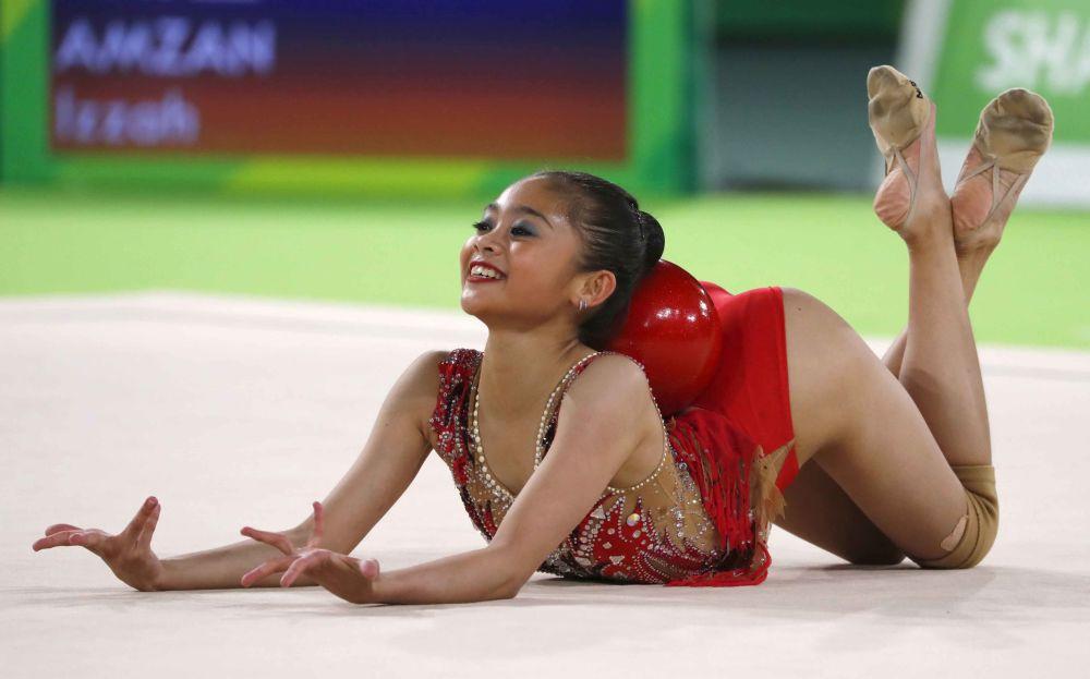 Apresentação da ginasta malaia Izzah Amzam durante os Jogos da Commonwealth de 2018, na Austrália.