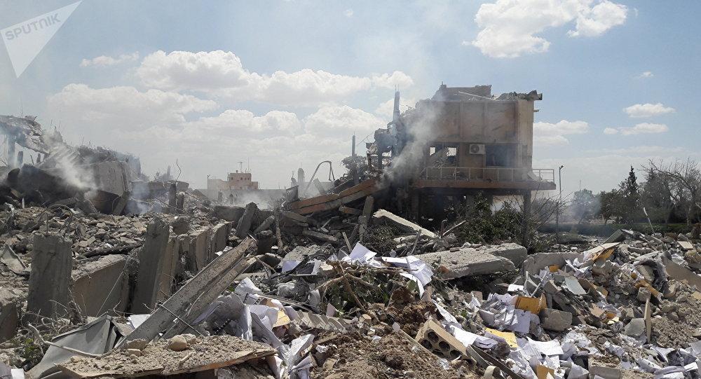Resultado do ataque ao centro de pesquisa científica Barzah perto de Damasco, 14 de abril de 2018
