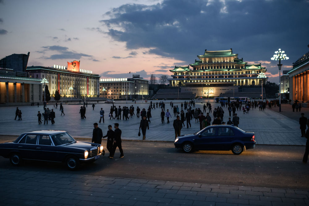 Praça Kim Il-sung, Pyongyang, 15 de abril de 2018