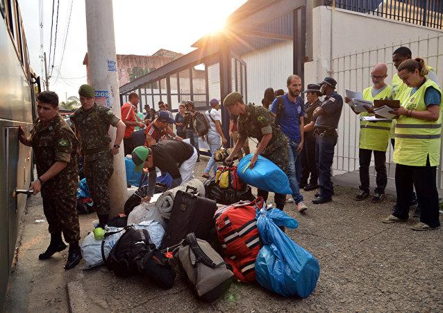 Chegada de imigrantes venezuelanos ao Centro Temporário de Acolhimento de São Mateus, zona leste de São Paulo