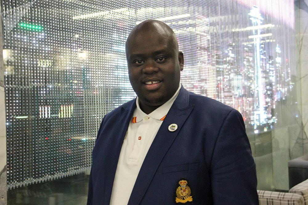 Njabulo Nzuza, que ocupa o posto do secretário-geral da Liga da Juventude do Congresso Nacional Africano, durante o 4.º Fórum de Economia Internacional de Yalta, em 20 de abril de 2018
