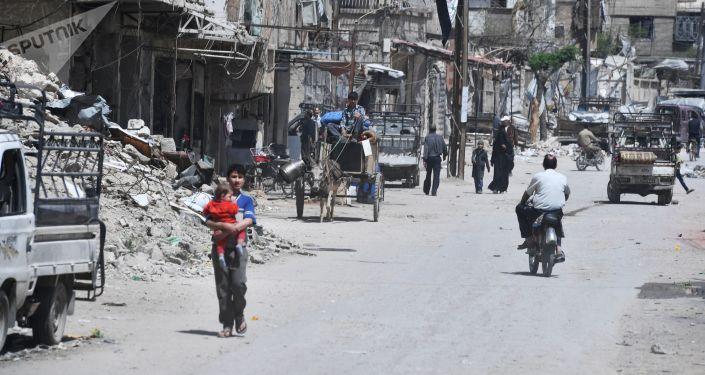 Cidade síria de Douma, nos arredores de Damasco, após ser libertada dos militantes