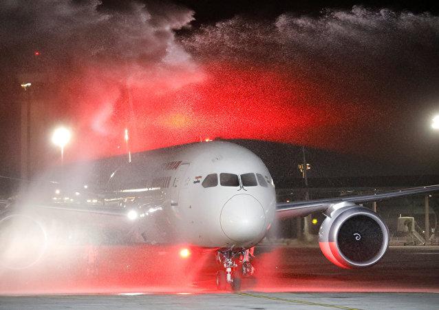 Boeing 787-8 Dreamliner da companhia Air India no aeroporto Ben Gurion, Tel Aviv, Israel, 22 de março de 2018
