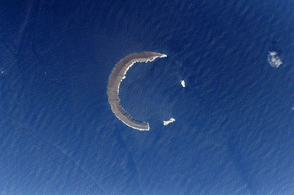 Ilha Tortuga que fica no arquipélago Galápagos, fotografada a partir do espaço pelo cosmonauta russo Anton Shkaplerov.