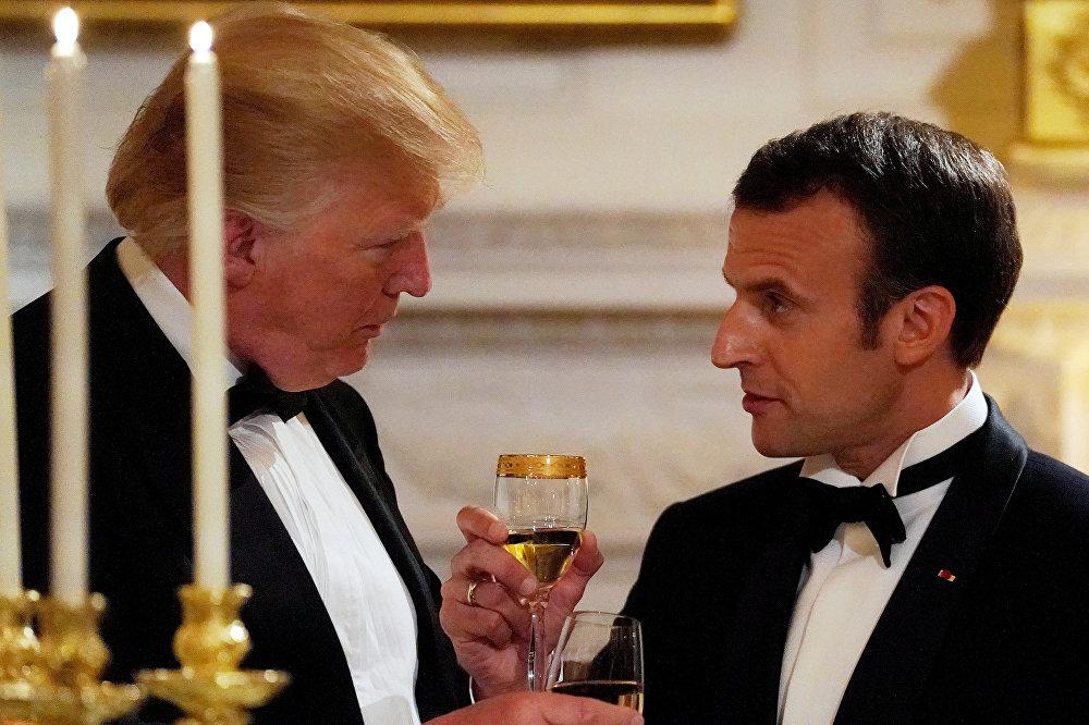 Brindaram sua amizade durante jantar de Estado.