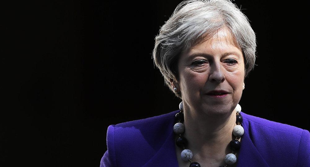 Reino Unido. Demite-se ministra do Interior