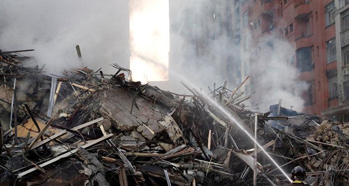 Curto-circuito teria causado incêndio no prédio que desabou em SP