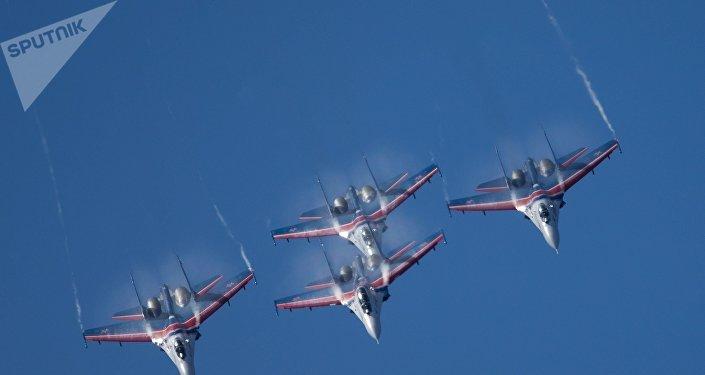 Grupo de pilotagem Russkiye Vityazi, caças Su-27