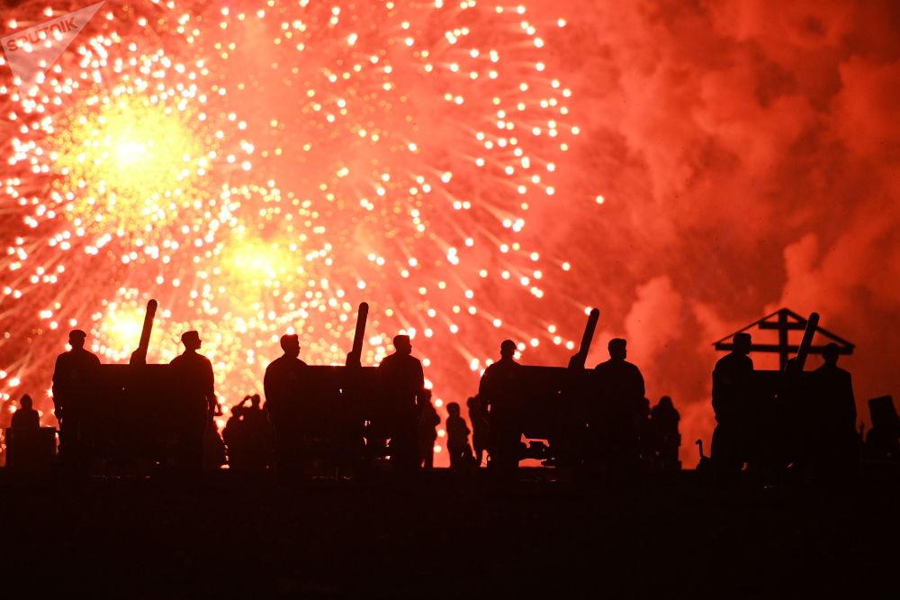 Fogos de artifício no Dia da Vitória em Moscou, em 9 de maio de 2018