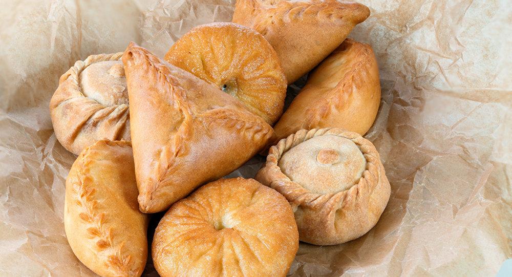 Pastelaria: peremiach, echpochmak, bekken, elesh