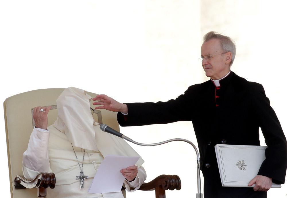 Papa Francisco durante sua homilia na Praça de São Pedro, no Vaticano