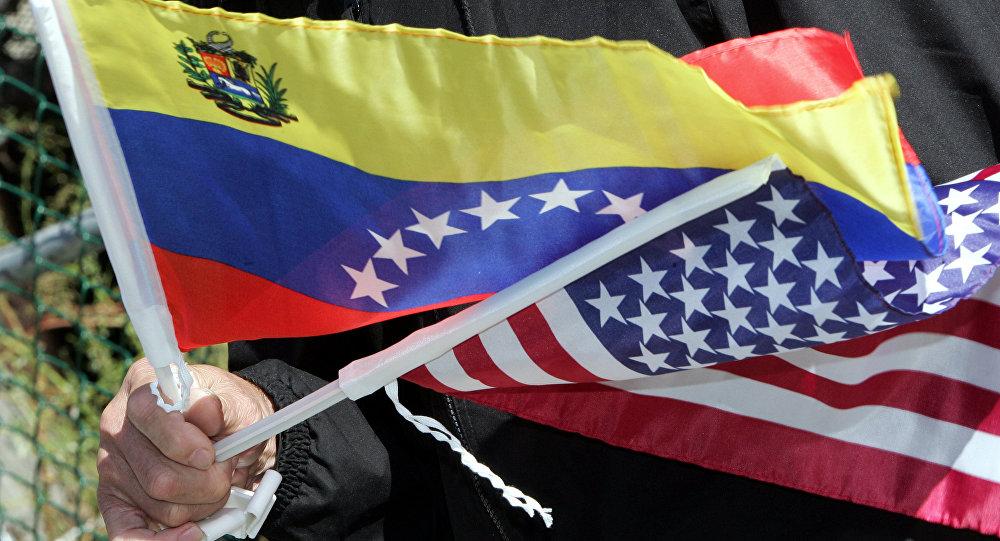 Bandeiras da Venezuela e dos EUA
