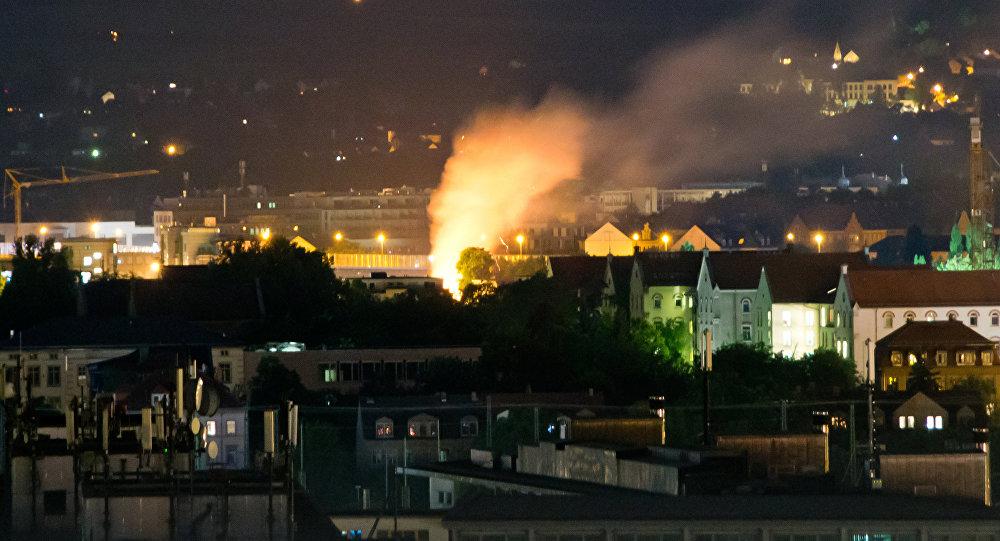Explosão de uma bomba da 2ª Guerra Mundial em Dresden, na Alemanha, 23 de maio de 2018