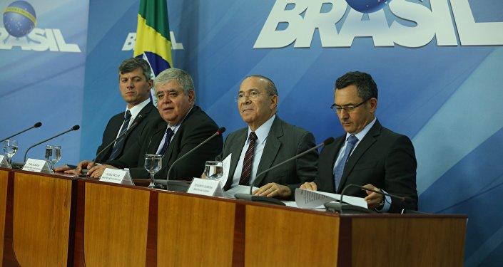 Ministros anunciam acordo celebrado com entidades que representam movimento dos caminhoneiros