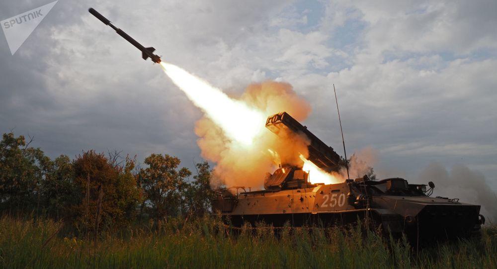 Sistema de defesa antiaérea Strela-10 durante o concurso de infantaria Chistoe Nebo 2018 (Céu Limpo 2018)