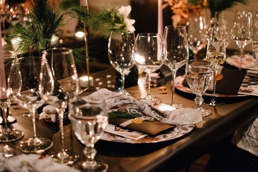 Uma mesa do restaurante Mukka em Nizhny Novgorod